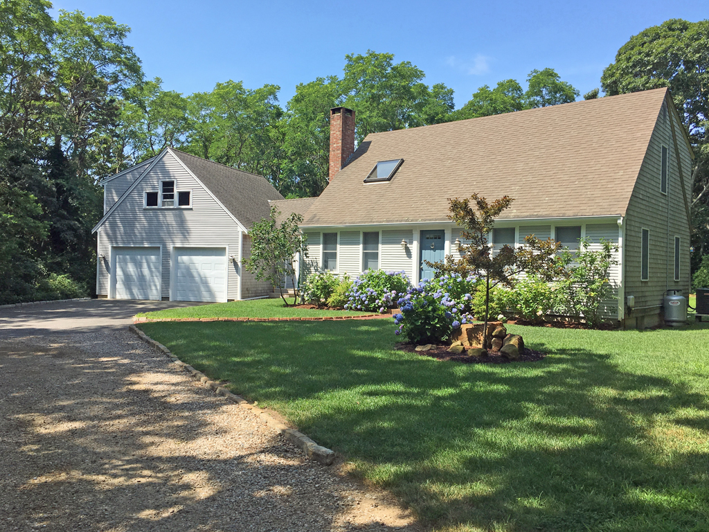4 Bedroom Near Cooks Brook Beach!